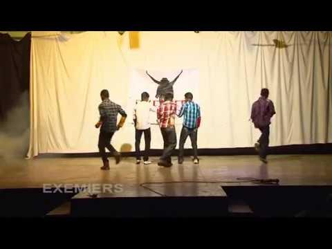 Inji Idupazhagi dance by school students