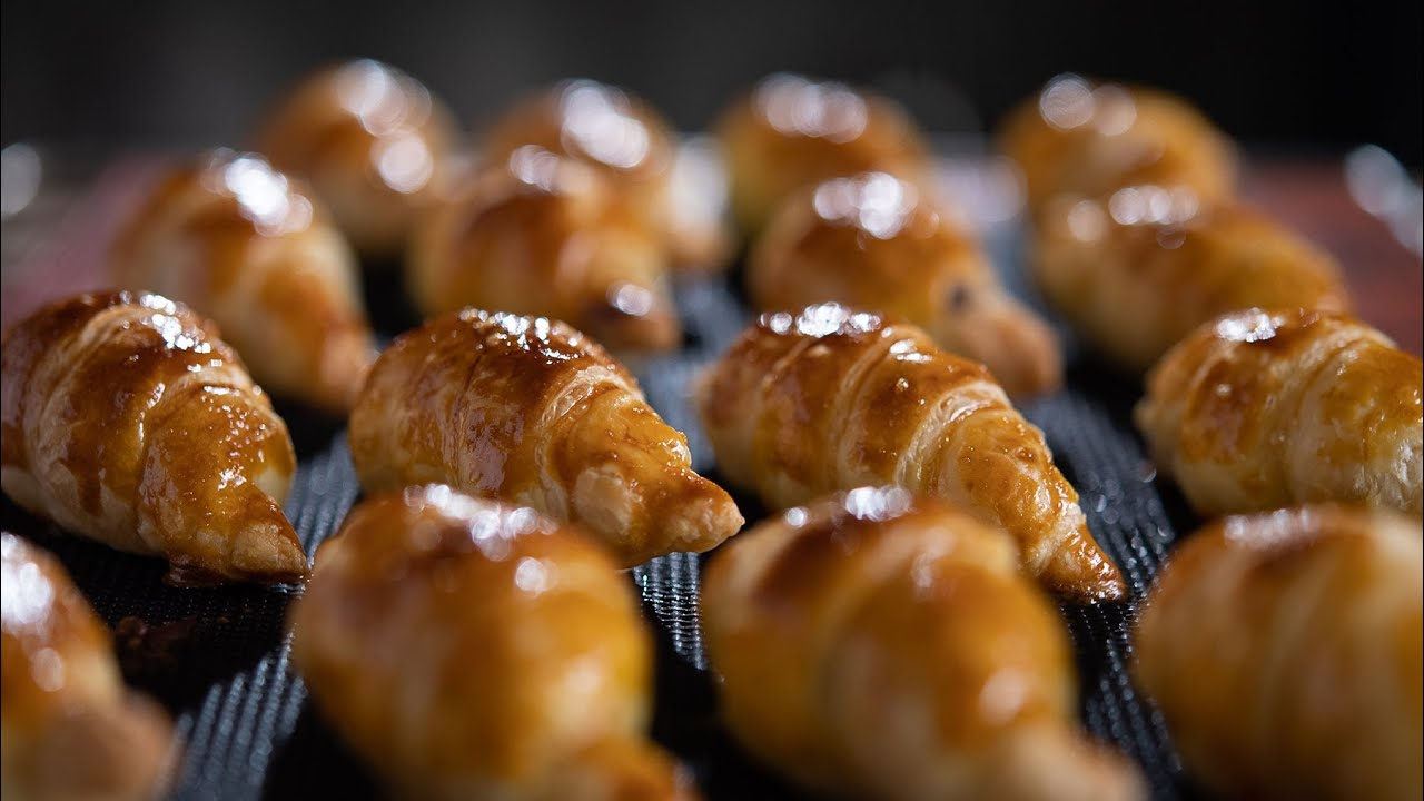 簡単ミニチョコクロワッサンの作り方 Chocolate croissant frozen pie sheets