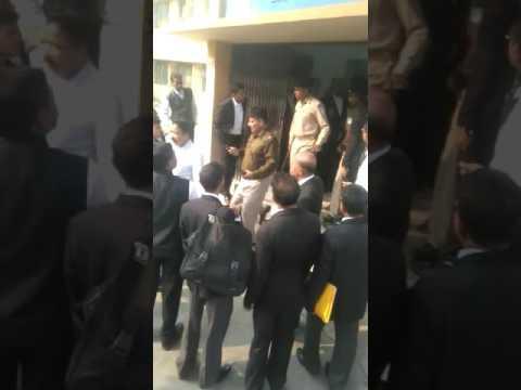 Ex- jmm leader upendra Singh's shot in Jamshedpur civil court