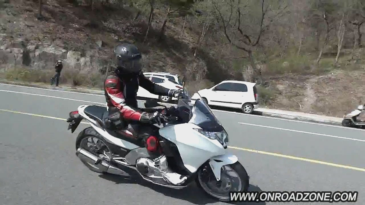 honda integra 700 nc700d dct review test ride. Black Bedroom Furniture Sets. Home Design Ideas
