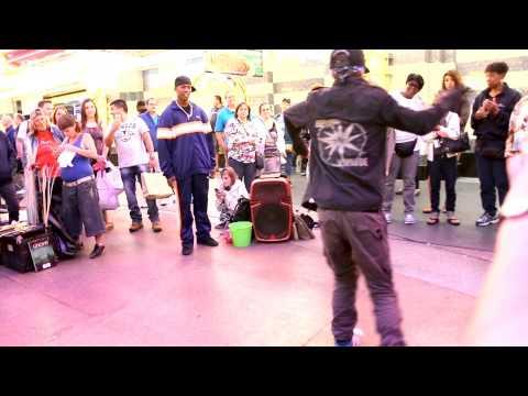 LAS VEGAS - AMAZING CONTORTION & DANCING - FREMONT STREET PERFORMERS - HD