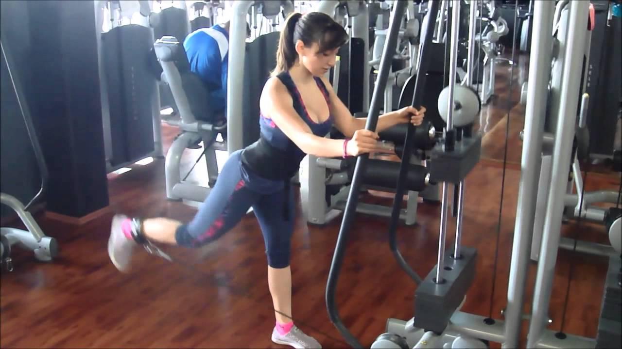 Elevaci n de pierna en polea baja para gl teo youtube for Poleas para gimnasio