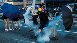 Hong Kong protestors continue to defy police