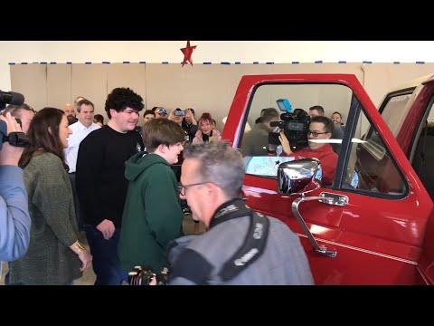 The Eddie Foxx Show - Teen Gets Unexpected Birthday Present From Fallen Hero Dad