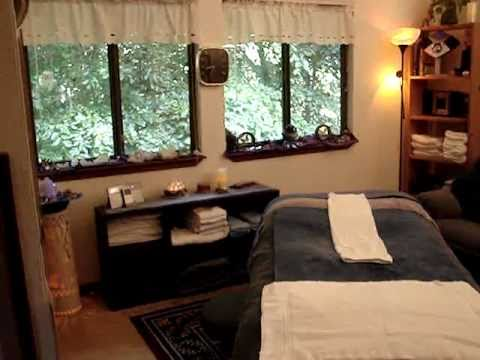 Virtual Tour of massage suite of  Va. Beach Massage Therapist, Elaine Levenson, CMT