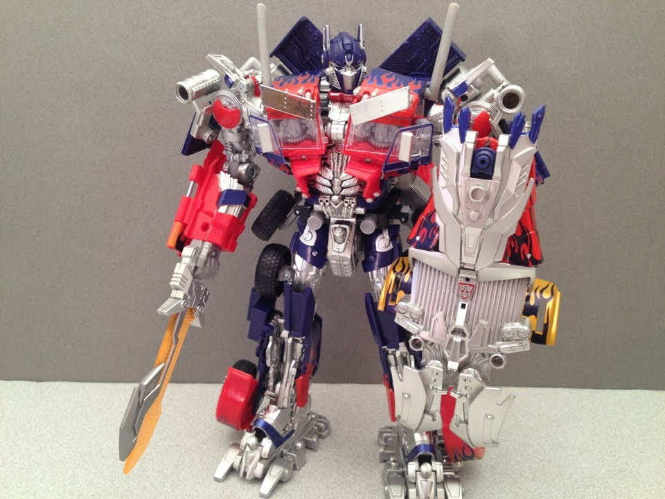 striker optimus prime takara asian premier series video toy review youtube. Black Bedroom Furniture Sets. Home Design Ideas