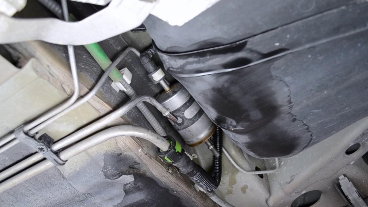 2000 ford explorer fuel filter location