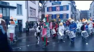 Video Morgenstreich der Basler Fasnacht bei Tagesbeginn , 2017 download MP3, 3GP, MP4, WEBM, AVI, FLV Mei 2018