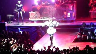Rihanna - o2 World (Hamburg) - Live your Life, Run this Town, Umbrella