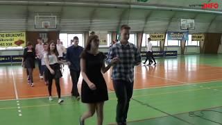 """Taniec """"Belgijka"""" w wykonaniu uczniów Gimnazjum nr 1"""