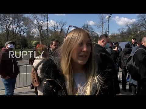 Serbia: Freelancers march against new taxation law in Belgrade