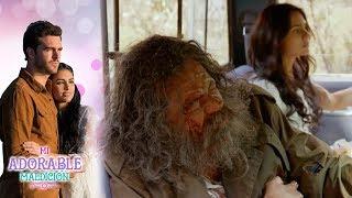 ¡Severo le salva la vida a Aurora! | Mi adorable maldición - Televisa