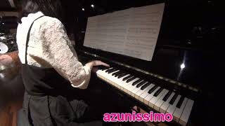 アズニッシモ♪です。 宇多田ヒカルさんの『花束を君に』をピアノで演奏しました。 使用楽譜:月刊 Piano プレミアム 極上のピアノ2016 秋冬号 (出版社:yamaha music ...