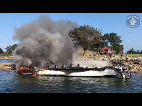 Video - Incendio dun catamarán na illa da Toxa III