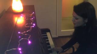Lily McKenzie sings a Christmas Song | MyDaily Advent Calendar Thumbnail