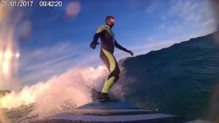 Surf al amanecer con 1 grado en Sabón surfpatrol
