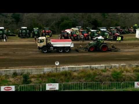 Tractor pulling Field days 2016