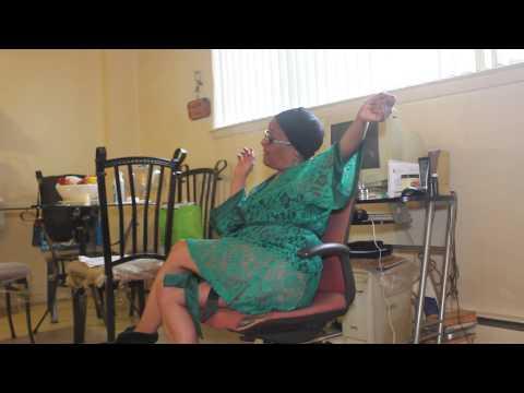 Grandma Nasty showing off her back muscles at 70 years oldKaynak: YouTube · Süre: 55 saniye