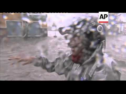 Typhoon lashes Philippines; 7 dead as thousands flee