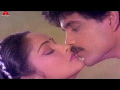 Kamalam Video Song    Agni Putrudu Movie    Nagarjuna,Radha