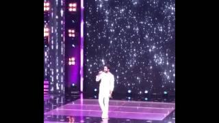 Ayushmann Khurrana singing Nazm Nazm song Live