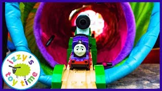 Thomas and Friends HUGE FORT TRACK with Motorized Charlie! Fun Toy Trains