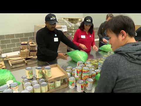 HCC volunteers at the Houston Food Bank