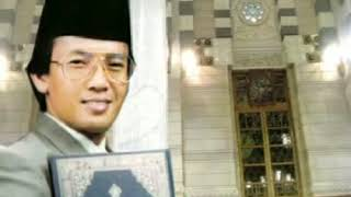 Qori' from Indonesia, the legend Muammar ZA surat al-Mulk / tabarok dan surat at-takwir