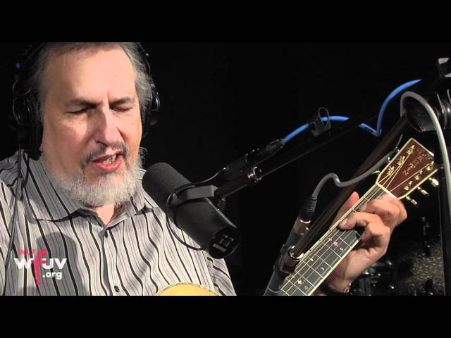 "David Bromberg - ""It Takes a Lot to Laugh, It Takes a Train to Cry"" (Live at WFUV)"