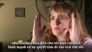 Vietnamese - Một người đồng tính mê nhạc rock trở thành người con của Chúa - Brooke Donnelly