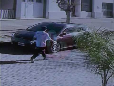 Se conocieron terroríficas imágenes del enajenado que atacó a puñaladas a cuatro personas