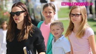 Jennifer Garner Takes Her Kids Violet, Seraphina & Samuel Affleck To Church 8.7.16