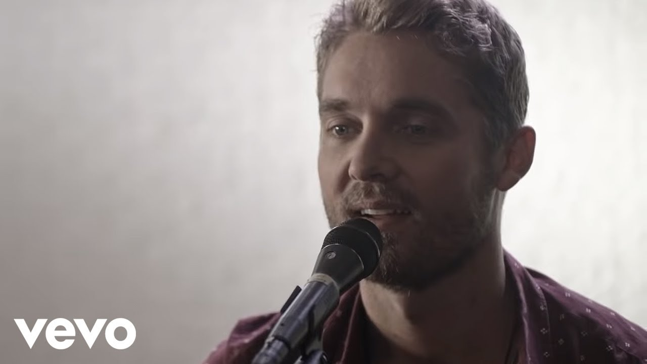 Brett Young - You Ain\'t Here To Kiss Me (Acoustic) - YouTube
