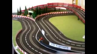 Carrera Bahn - Zimmer - Race - Circle - Aufbau und Rennen auf der 23 Meter Slotbahn