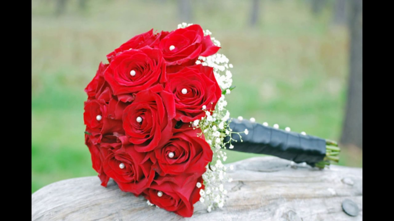 White And Red Rose Bridesmaid Bouquets Youtube