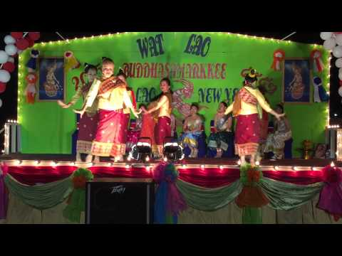 Wat Lao Buddahsamarkkee 2015 traditional Lao dance (3)