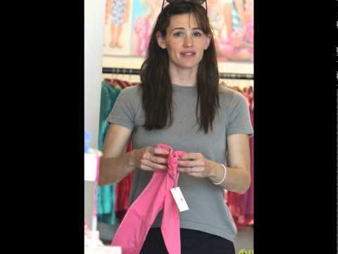 Jennifer Garner Shops For Cute Kids Clothes in Santa Monica