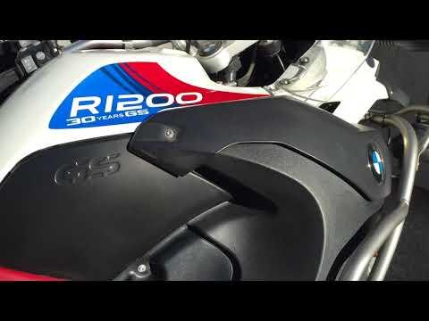 Quick tip: motorcycle black plastic restoration