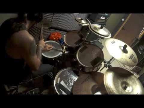 'Infinite Dreams' Iron Maiden (Hugo Olivos drum cover)