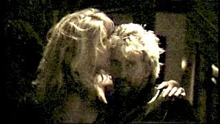 ROD STEWART and RACHEL HUNTER kiss & hug