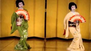 Beautiful traditional Japanese Dance: Kabuki Dance