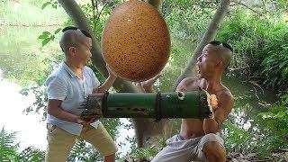 Trứng Nướng Ống Tre Khổng Lồ Và Cái Kết Cực Chán Chỉ Vì Một Con Gián ( Grilled giant egg )