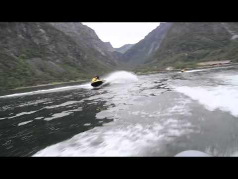 Vannskuter på Hardangerfjorden