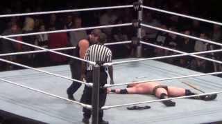 #WWEADELAIDE Miz vs Dean Ambrose Great Ending WOOOOO!!!