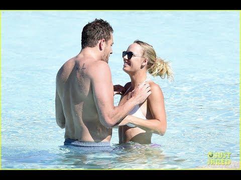 Sports Stars Caroline Wozniacki & David Lee Bare Beach Bodies, Flaunt PDA in Italy