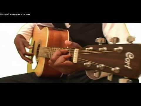 Moise Mwamba-Nzambi - Un Aiglon