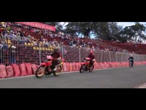 Buổi tập dợt đầu tiên cho giải đua xe tại Cần Thơ 2014