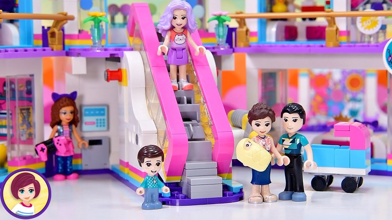 Heartlake City has a brand spankin' new mall! Lego Friends Build & Review Part 1