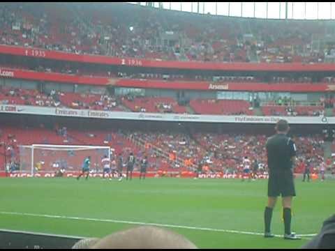emirates cup 2009 day 2.  sergio aguero penalty vs psg, row 3