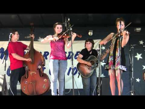 Weiser National Fiddle Contest 2011 ~Bistodeau Family Concert in the Park ~ Twin Fiddling